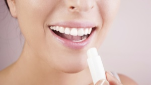 Гигиеническая губная помада