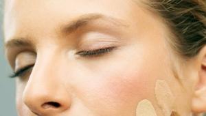Как подобрать тональный крем под цвет кожи?