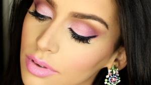 Макияж с розовыми тенями