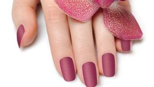 Матовый лак для ногтей