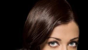 Макияж для темных волос и голубых глаз