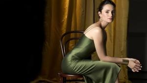 Макияж под зеленое платье