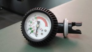 Манометры для лодок: особенности и рейтинг производителей