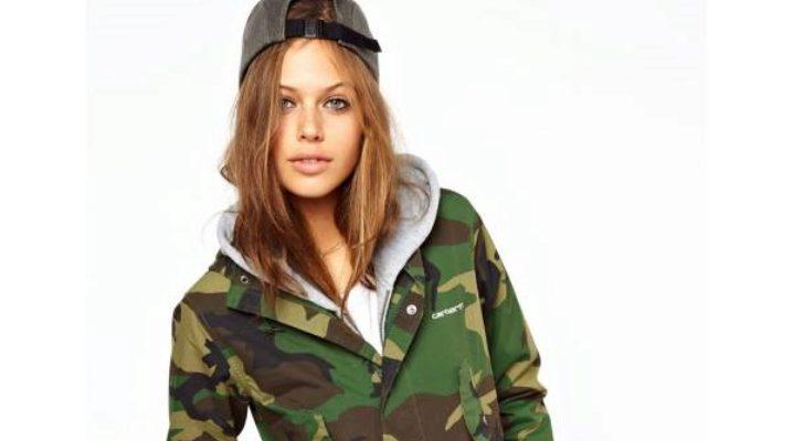 Камуфляжная куртка – стиль милитари снова в моде!