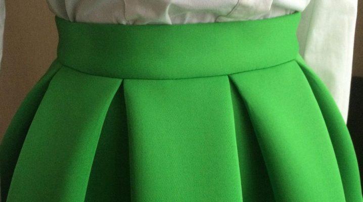С чем носить юбку из неопрена?
