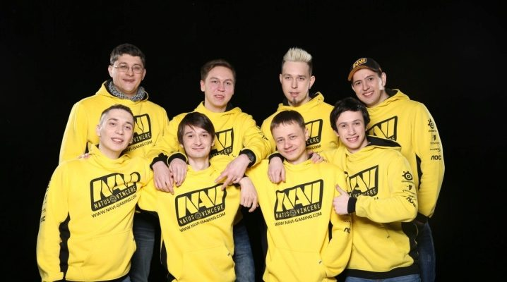 Толстовка NaVi с логотипом чемпиона в Star Ladder