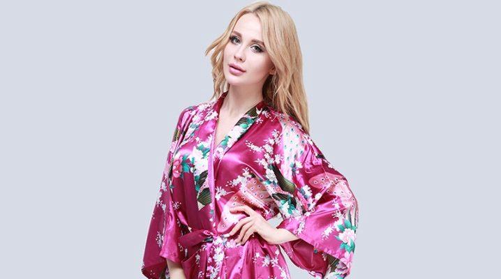 Красивый японский халат-кимоно для женщин