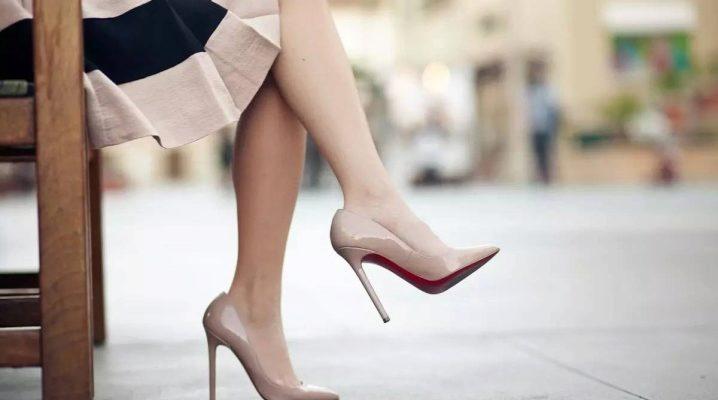 Ебля проституток смотреть фото в колготках и туфлях колготках
