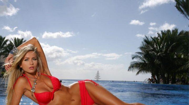 Фото девок в обтягивающем красном купальнике
