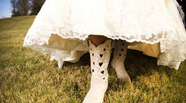 cf0ed20e2 Свадебные сапоги (42 фото): белые модели для невесты, зимние на свадьбу