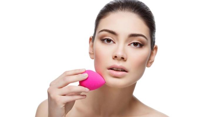 Спонж для макияжа в форме яйца