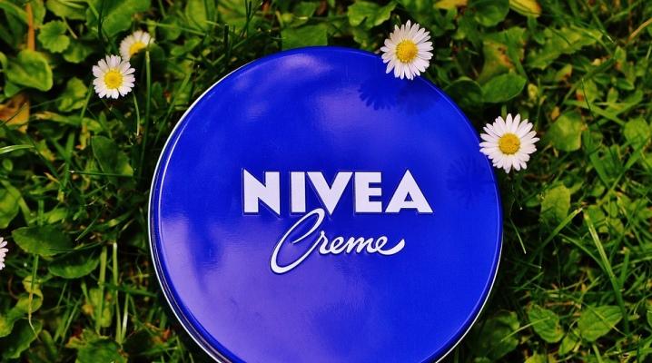 Крем Nivea в синей банке