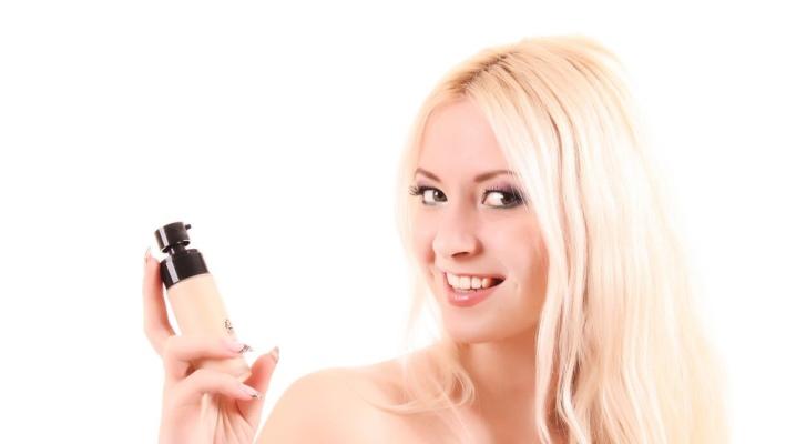 База под макияж от ведущих мировых марок: Lumene Beauty Base и L'Oreal Lumi Magique, светоотражающая основа для лица, отзывы