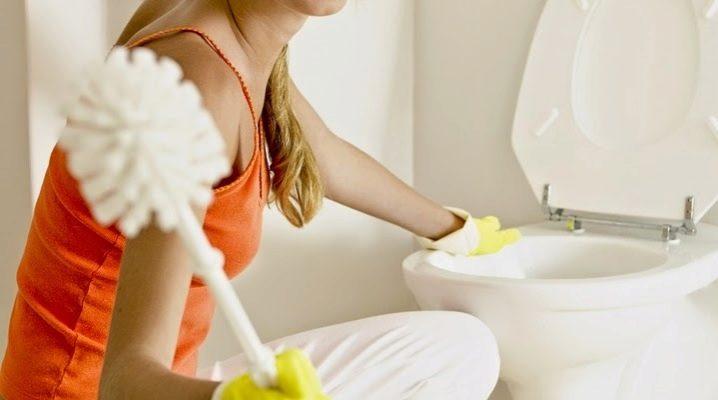 Чем отчистить унитаз от ржавчины и налета?
