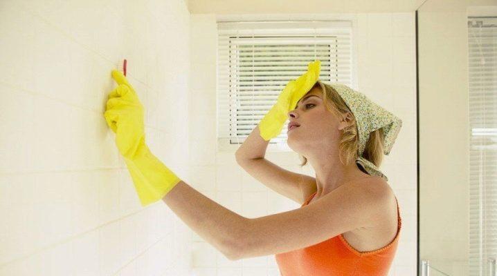 Как отмыть плесень в ванной?