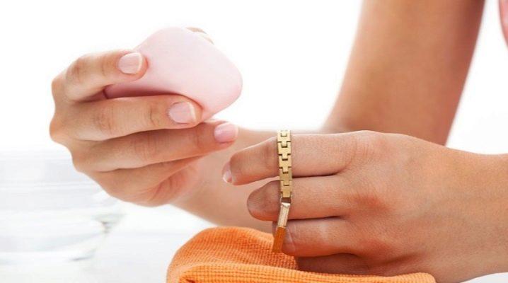 Как почистить золото нашатырным спиртом?