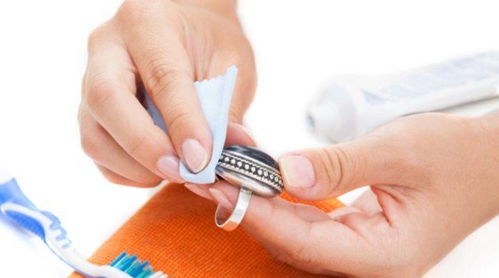 Самостоятельная чистка серебра  в домашних условиях
