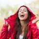 Куртка-дождевик поможет вам не промокнуть!
