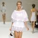Белые платья из хлопка с кружевом – комфортно и стильно