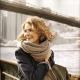 Как красиво завязать палантин на пальто?