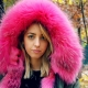 Женская парка с розовым мехом - модный тренд сезона
