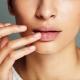 Скрабы для губ: обзор популярных
