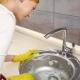 Как правильно и чем лучше отмыть раковину?