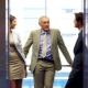 Правилам этикета: кто должен первым заходить в лифт?
