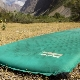 Самонадувающиеся туристические коврики: особенности и выбор