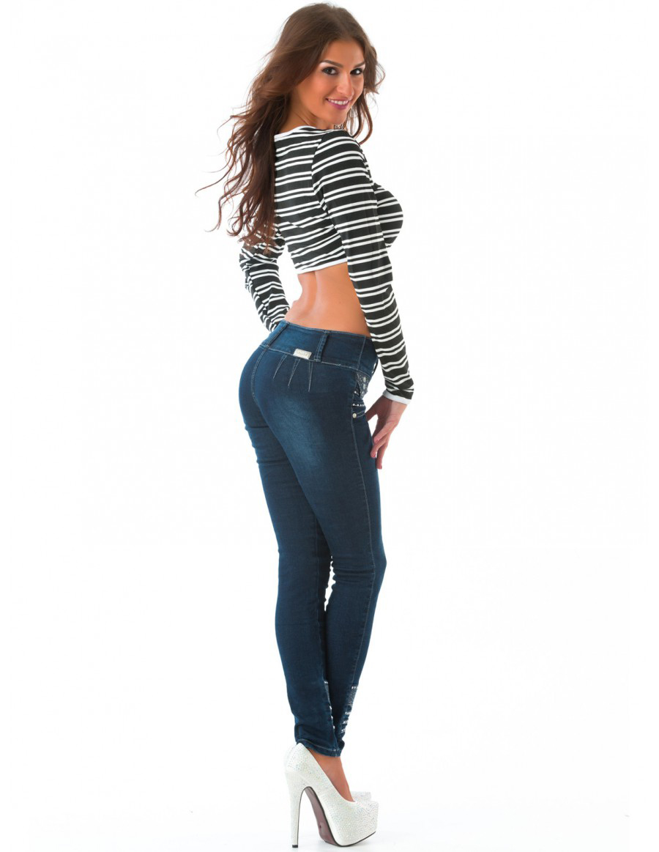 Девочки в сексуальных джинсах