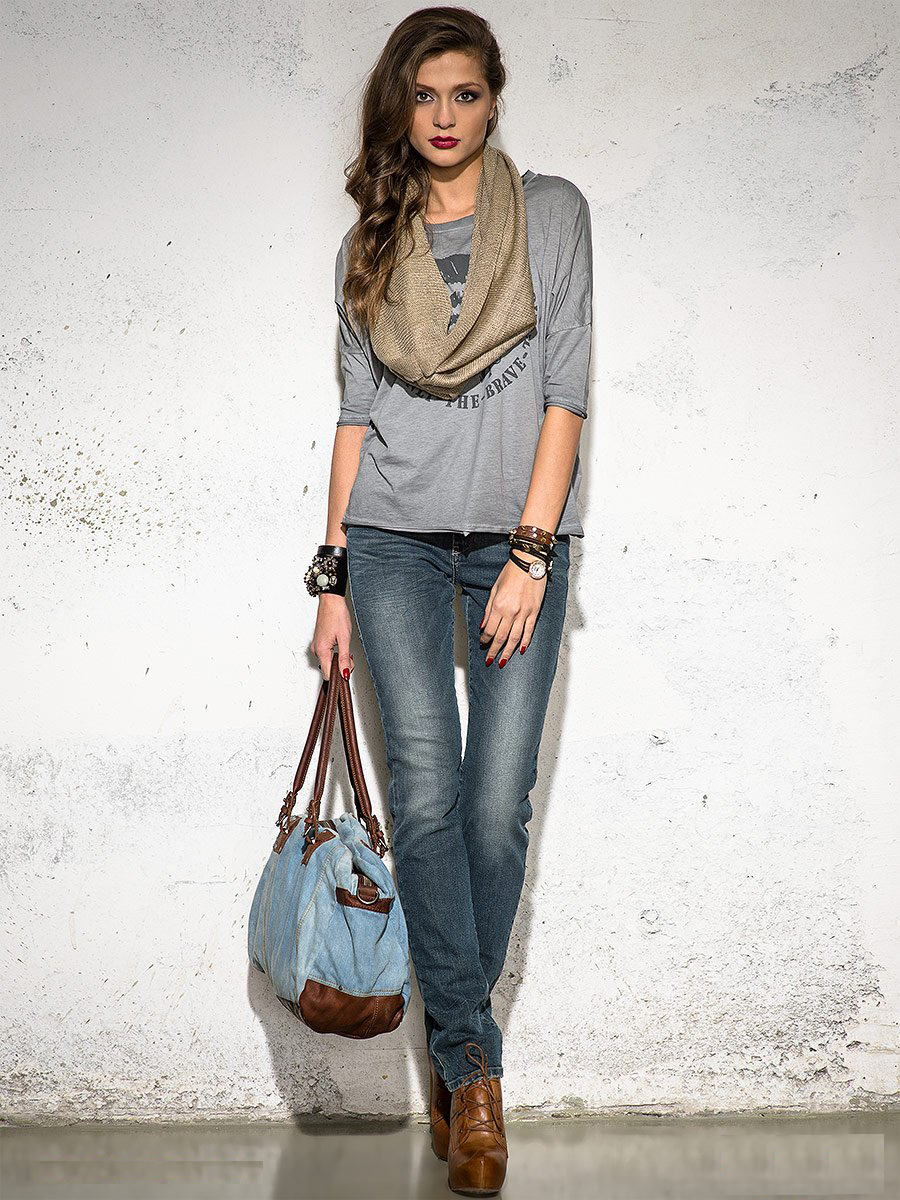 Женские прямые классические джинсы