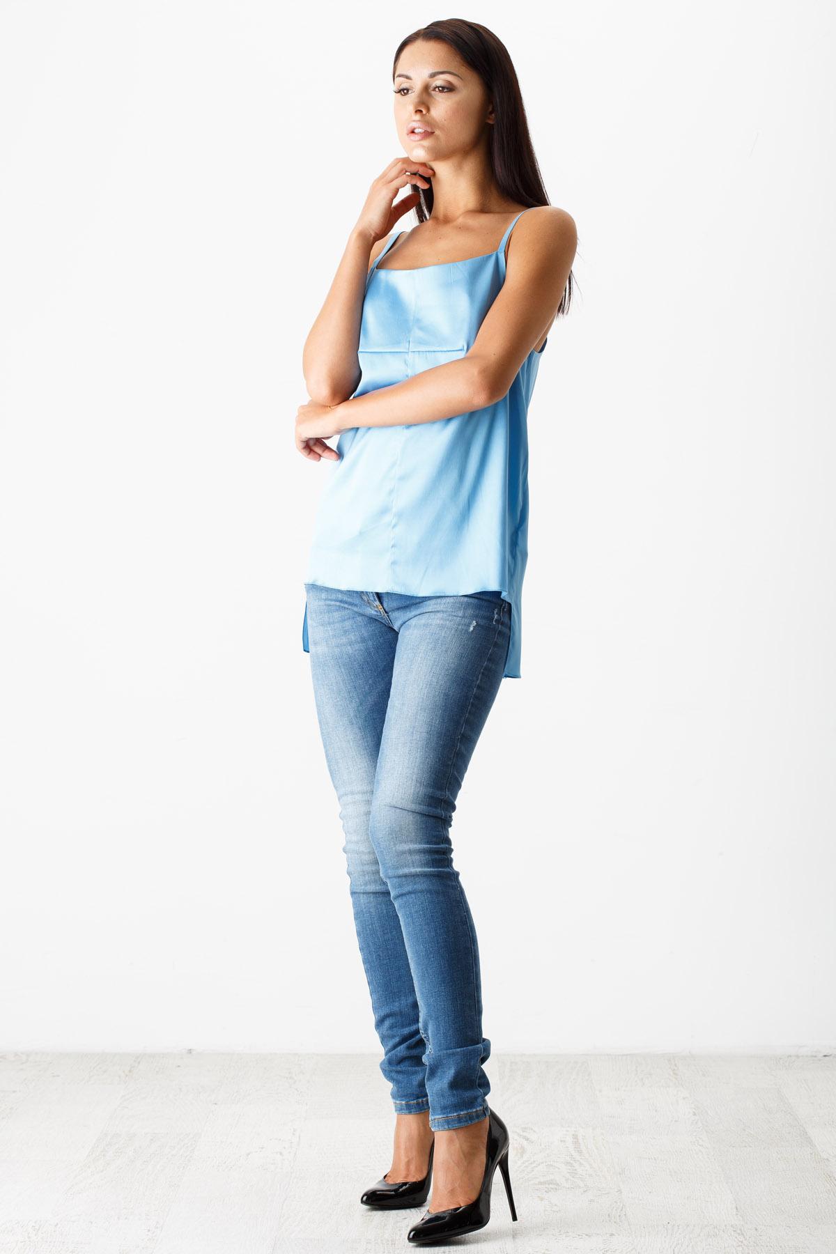 Летние джинсы для женщин (64 фото): с чем носить, тонкие и рваные, модели, модные луки и образы 2018 116