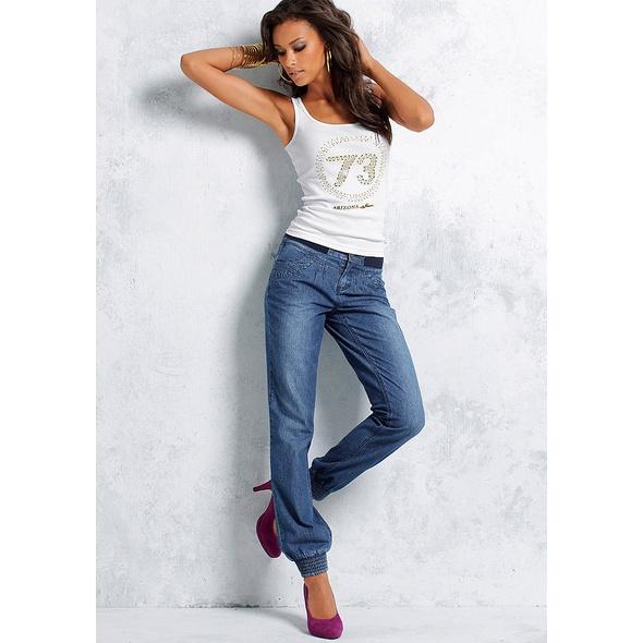 Летние джинсы для женщин (64 фото): с чем носить, тонкие и рваные, модели, модные луки и образы 2018 229