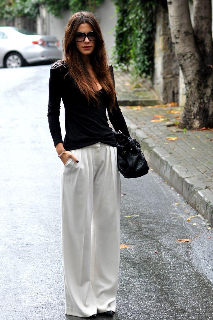 Широкие брюки черного цвета