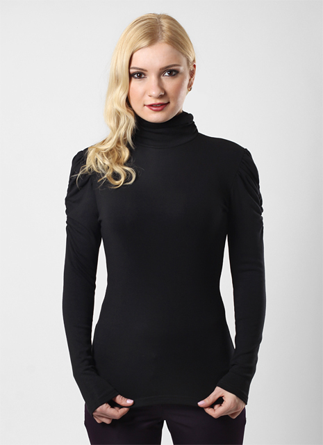 1ca85a7657b4c Сейчас черная водолазка является предметом базового женского гардероба. Их  шьют из шерсти, акрила, шелка, хлопка, трикотажа и других тканей.