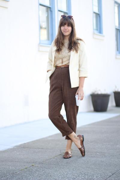 Темно коричневые брюки