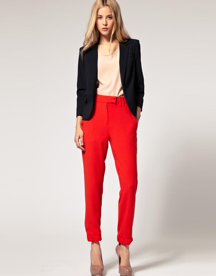 Что носят с красными брюками