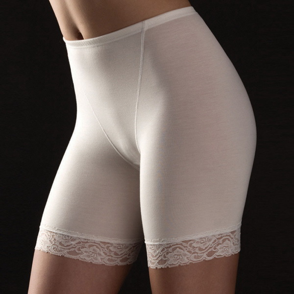 Любители женских панталон