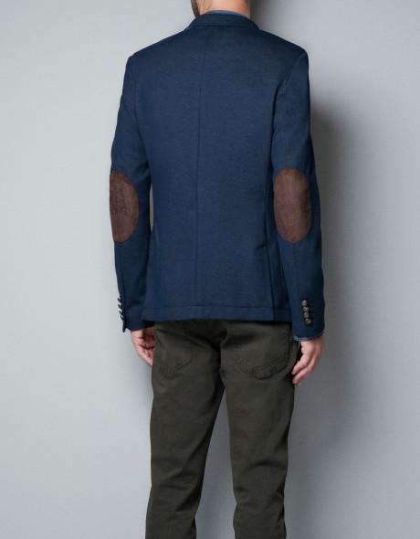 Для мужчин пиджак с заплатками – хорошая альтернатива рабочему костюму. Его  можно надеть с классическими брюками и дополнить любой сорочкой. bec5a59428a