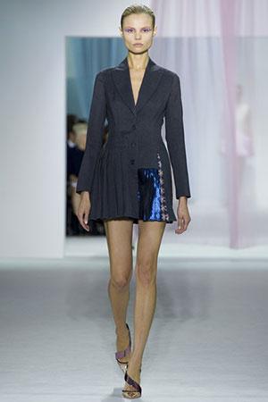 Приталенные платье с пиджаком
