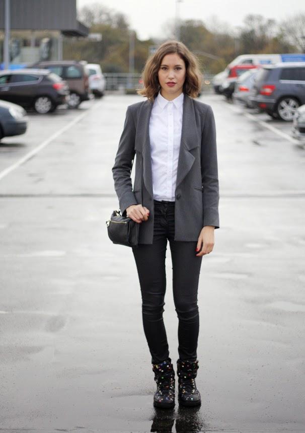 Серый цвет юбки с чем носить