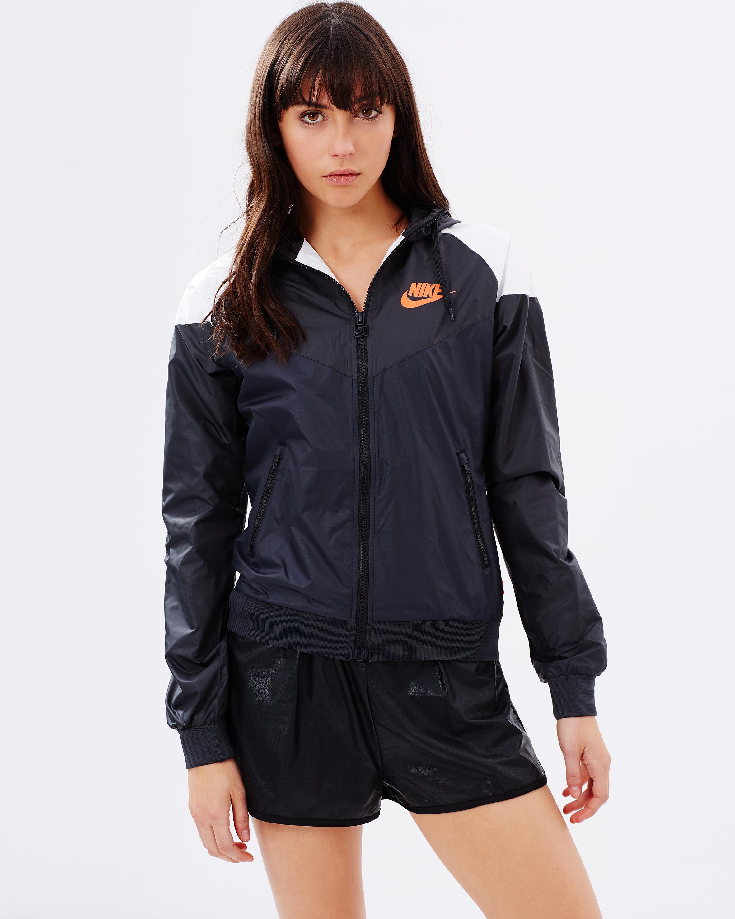 0d591294 Женские ветровки Nike. Ветровка является самым популярным видом одежды и  самым практичным. Будучи универсальной курткой, подходящей практически для  любых ...