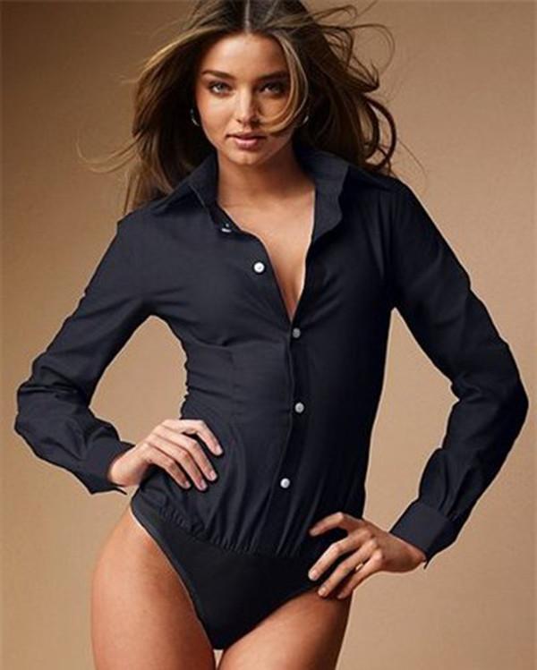 Фото девушек в джинсах с расстегнутой блузкой — photo 4