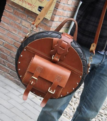 7d5ce8d0b224 Но покупка слишком популярной сумочки заставит вас слиться с толпой. Чтобы  этого не произошло, стоит действительно обратить внимание на авторские сумки  из ...