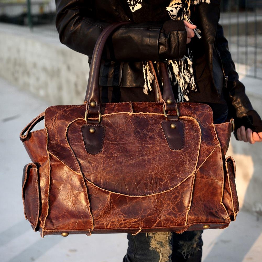 f36daf57b2d3 Каждый человек стремиться сделать свой образ максимально эксклюзивным.  Добавить вашему луку индивидуальности может стильная кожаная сумка ручной  работы.