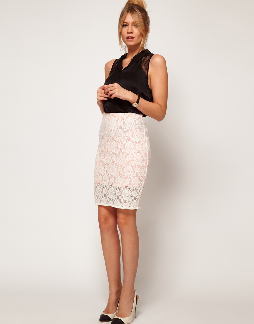 Белая гипюровая юбка карандаш