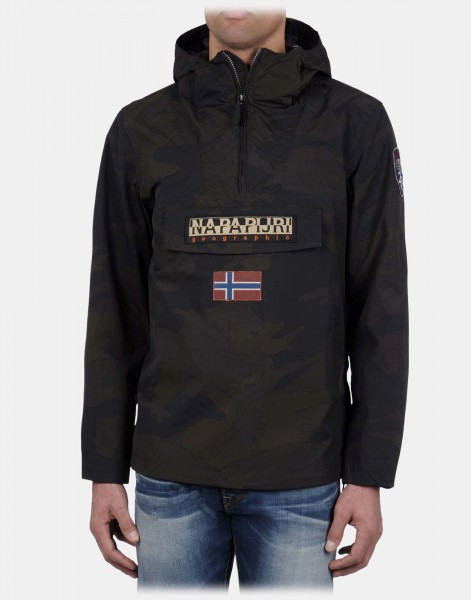Куртка-анорак: особенности модели