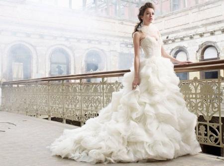 Свадебные платья с рюшей