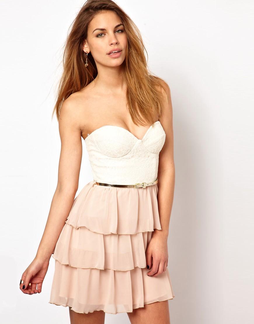 Платье с волной на юбке