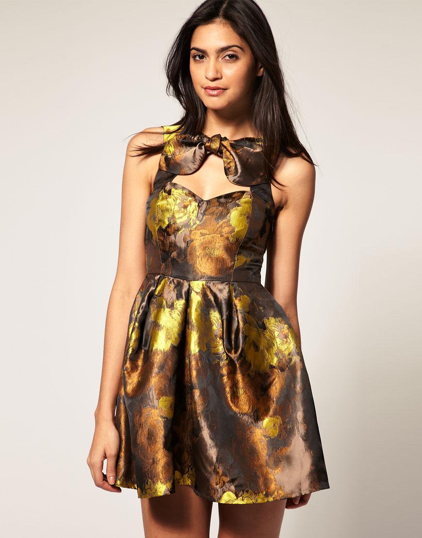 Выкройка отрезного по талии платья с юбкой полусолнце с рукавами фото 690